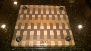 Feet on end grain chopping board