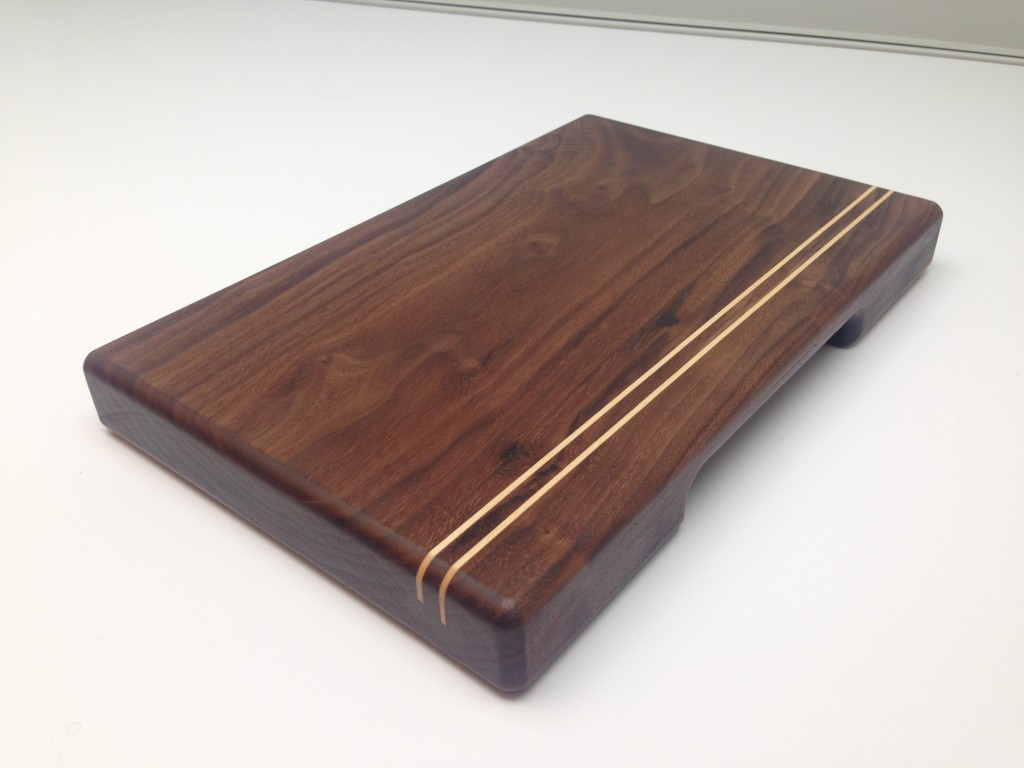 walnut cheeseboard with maple inlay